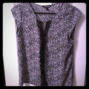 Adorable Express blouse with lace detail! EUC!